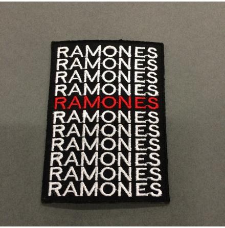 Ramones - Svart Vit/Röd Text - Tygmärke