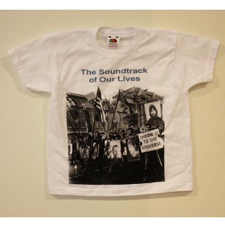 Barn T-Shirt - Throw It